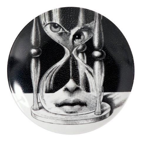 Fornasetti Wall Plate T & V 184